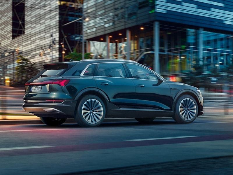 Audi e-tron Offensive